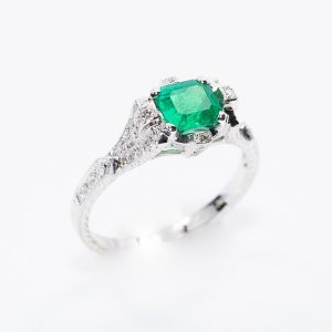 18k White Gold Natural Emerald and Diamond Vintage Inspired Ring