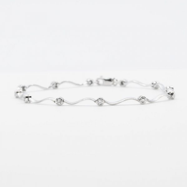 14k White Gold Natural Diamond Link Bracelet