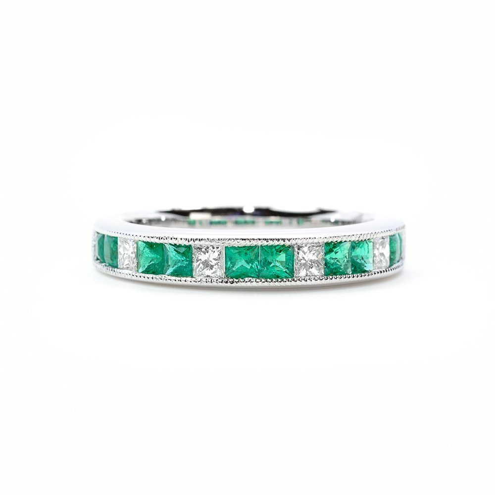 18k White Gold Natural Emerald and Diamond Ring