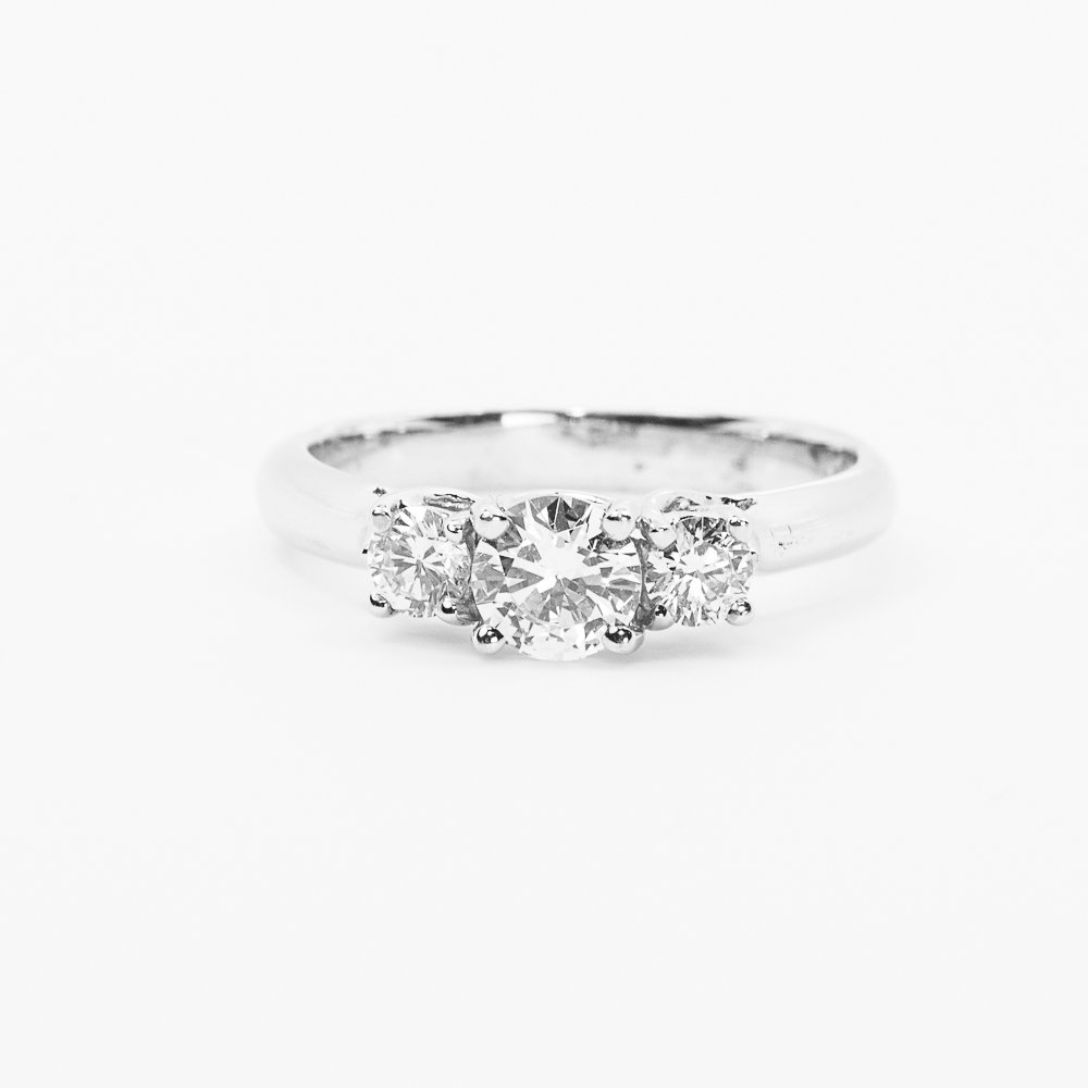 18k White Gold Natural Diamond 3-Stone Semi-Mounting