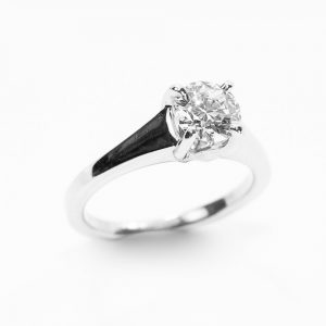 Platinum Natural Round Diamond Solitaire with GIA Certified .95ctw Round Brilliant Diamond