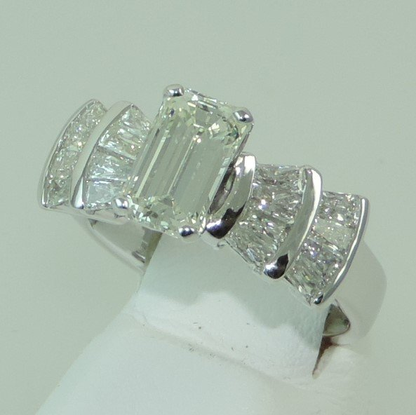 MFJ_Custom_Ring_Kurt_Debra_Side