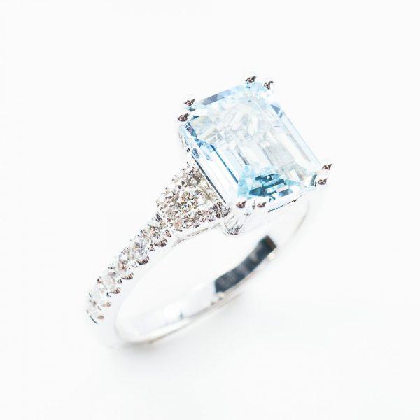 14K White Gold Natural Aquamarine and Diamond Ring